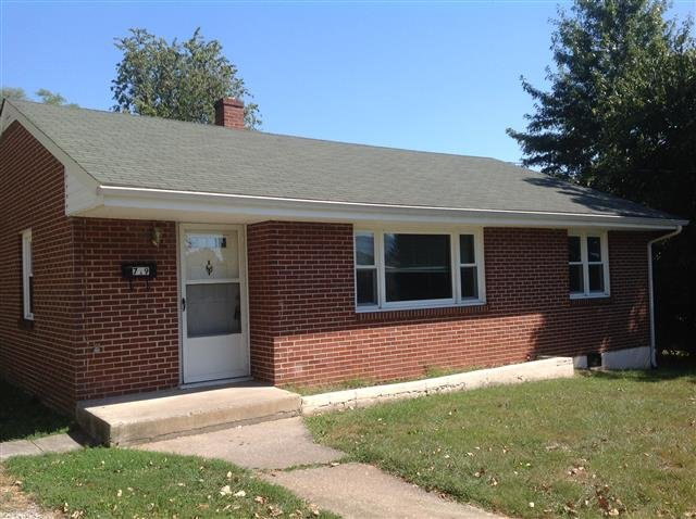 main picture of house for rent in roanoke va